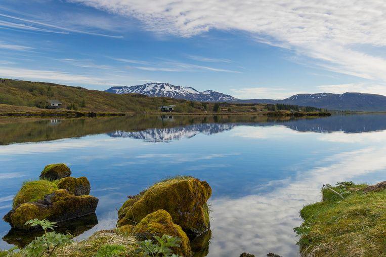 Het meer Þingvallavatn in IJsland.
