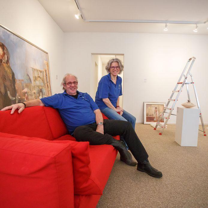 Leo en Geri van Lien in hun museum.