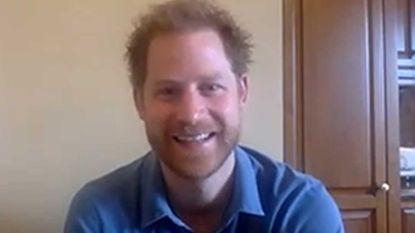 Prins Harry videochat vanuit Los Angeles met ouders van hulpbehoevende kinderen