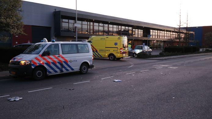 Bij een kop-staartaanrijding op de Impact te Duiven is woensdagmorgen veel schade ontstaan aan twee auto's, de inzittenden zijn nagekeken in de ambulance maar hoefden niet naar het ziekenhuis.