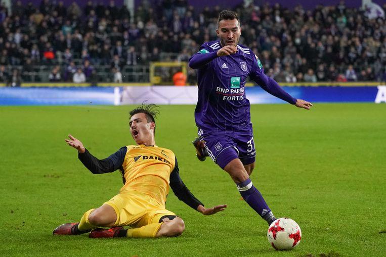 Ivan Obradovic in actie tegen Club.