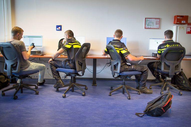 Studenten aan de politieacademie in Apeldoorn. Beeld Hollandse Hoogte / Herman Engbers