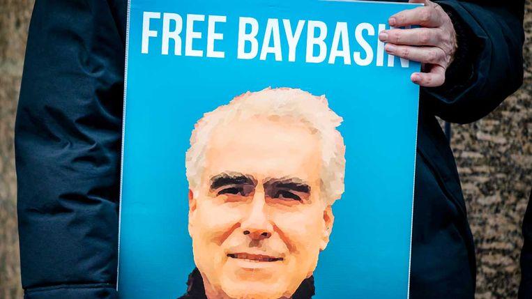 Januari 2018: oud-gevangenisdirecteuren demonstreren op Het Plein voor de directe vrijlating in afwachting van een eerlijk proces voor Hüseyin Baybasin.  Beeld ANP