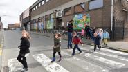 Parkeerstroken voor ingang kleuterschool Grotstraat verdwijnen