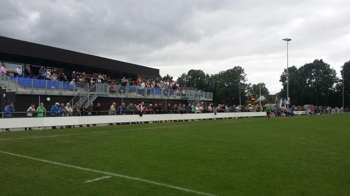 Genoeg publieke belangstelling bij SC Millingen - SV Hatert. Foto: Sander Janssen