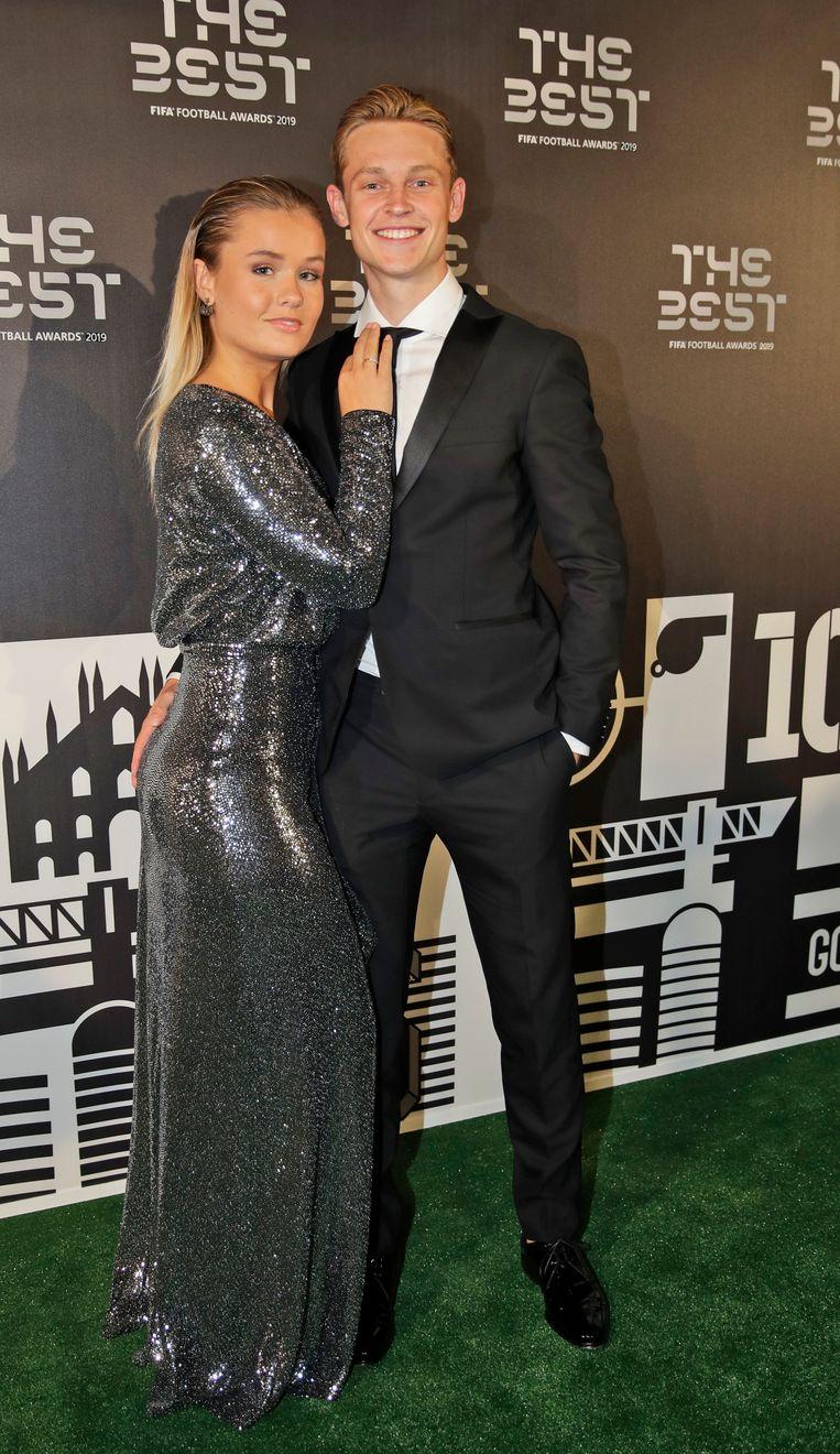 Frenkie de Jong, middenvelder van FC Barcelona, en zijn partner Annette Molenaar