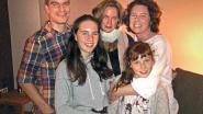 Optreden Chantal Acda in de woonkamer