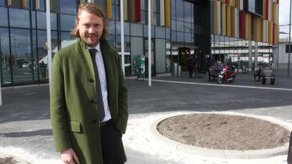 """Schepen van Stadsvernieuwing De Gucht (Open Vld) wil minder steen en meer groen: """"Waar het kan in de stad, planten we een boom"""""""