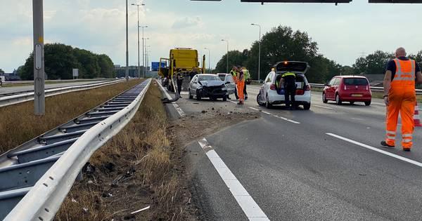 Verkeersruzie leidt tot ongeluk op A1 bij Wilp: forse file.