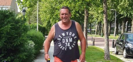 Bert helpt huisvarkentje Sjef met pijn in het hart aan nieuw thuis in Enschede