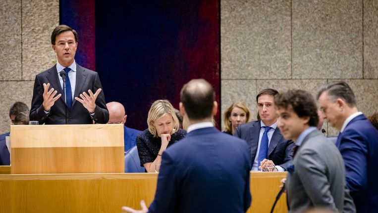 Premier Rutte tegenover Asscher (PvdA), Klaver (GL) en Roemer (SP). Beeld anp