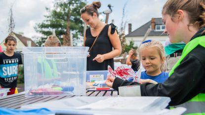 Mobiele speelpleinwerking met Pretkamjonet is meteen schot in de roos: vrolijke bende op Kamiel Van Belleplein