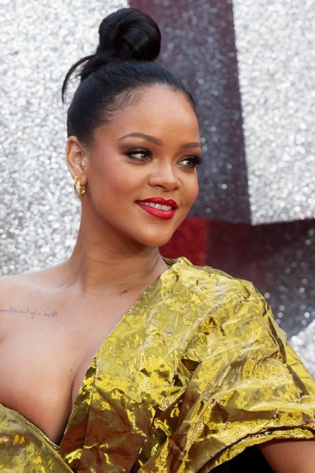 Politie rukt met man en macht uit naar Hollywoodvilla Rihanna