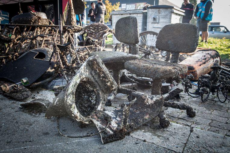 Er werden gisteren onder meer twee bureaustoelen, een toiletpot en enkele fietsen uit het water van de Watersportbaan gehaald, in totaal goed voor 1.462 kg afval.