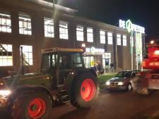Tachtig boeren demonstreren bij bijeenkomst over dierenrechten in Ede