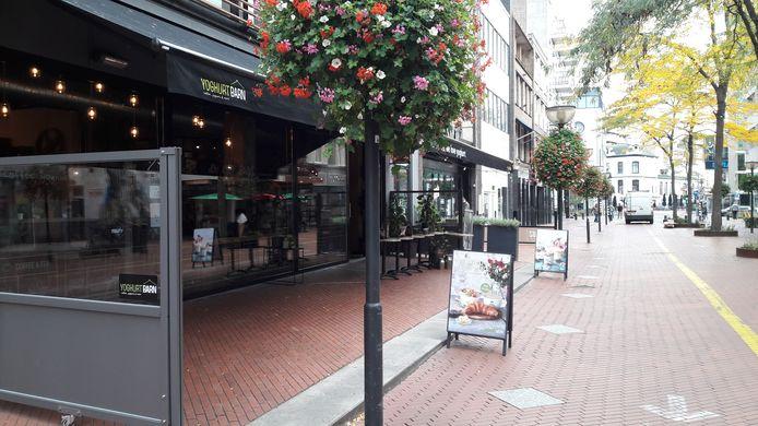 Binnenstad Eindhoven bij het begin van de tweede  lockdown. Nieuwstraat.