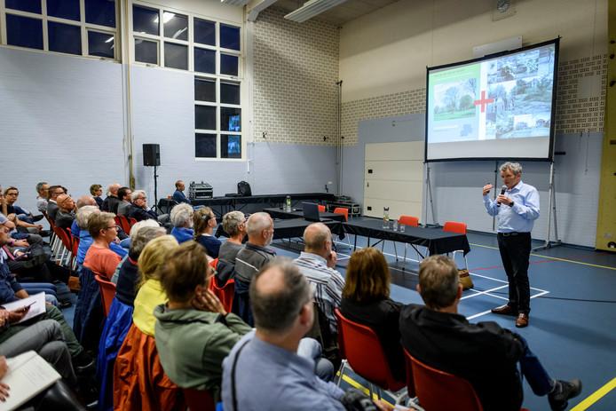 Bijeenkomst voor presentatie plannen voor de voormalige tbs kliniek Oldenkotte in Rekken en bijbehorende terreinen.