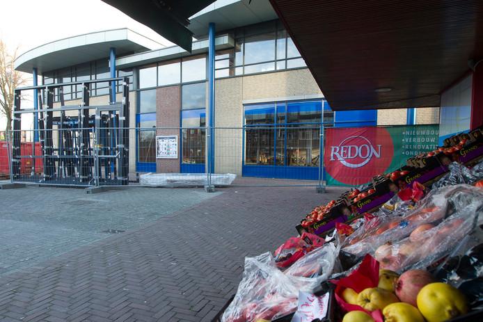 Winkelcentrum Deltaplein in de Rivierenwijk verandert ingrijpend. De bouw van een  nieuwe Lidl is begonnen en er staat nog meer op stapel.