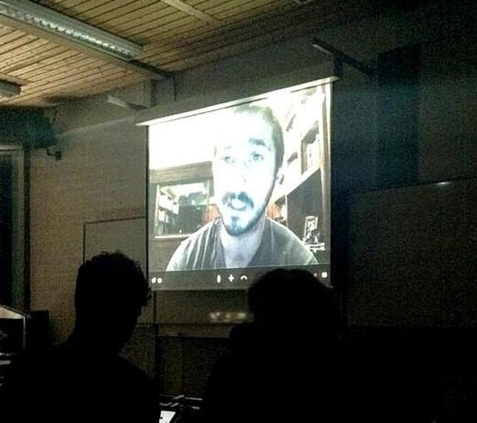 De skypebijeenkomst met Shia LaBeouf. Foto: Nick Vermeer