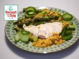 Malse kipfilet met krokante asperges en kerriekruim