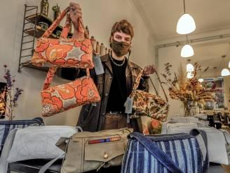 """Warre Dassonville (18) brengt zelfgemaakte handtassen op de markt: """"Ik vervaardigde al exemplaren uit oude legerkledij"""""""