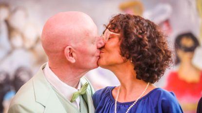 Met een trouwkleed van 12 euro: Herr Seele en Katia geven elkaar jawoord