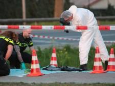Schutter op motor schiet 26-jarige man neer op Zonneoord, politie onderzoekt gedumpte kleding