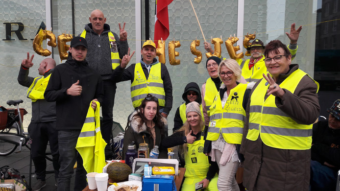 Gele Hesjes demonstreren in Eindhoven.