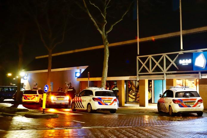 Politie bij de AH in Cuijk