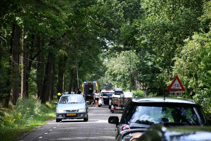 Bij een ongeval aan de Beerzerweg bij Beerze is een motorrijder gewond geraakt.