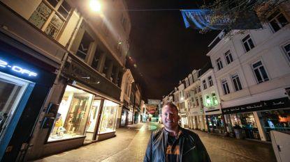 """Nieuwe lichtjes brengen meer sfeer in winkel-wandelgebied: """"Geven een gevoel van rust"""""""