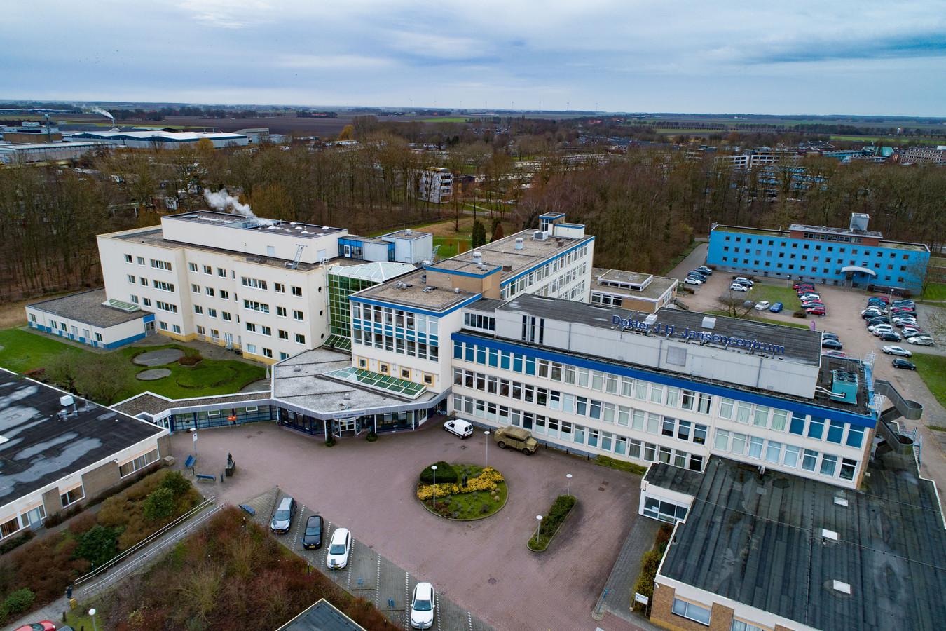 In het Dokter Jansencentrum in Emmeloord was eerst de MC Groep gevestigd. Na het faillissement nam Antonius Zorggroep de polikliniek in het gebouw over.