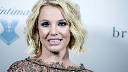 """Britney Spears roept fans op tot kalmte na '#FreeBritney'-heisa: """"Mijn familie wordt met de dood bedreigd"""""""