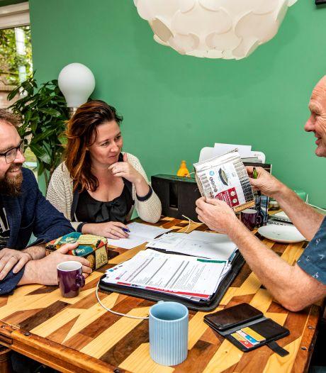 Kersverse Deventenaren Bas (33) en Nina (29) dolblij met gratis energiecoach: 'Een duurzaamheidsorakel'