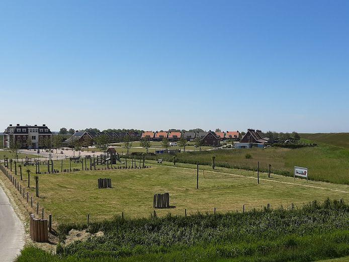 Parc Ganuenta in Colijnsplaats, gezien vanaf de zeedijk, mei 2020.