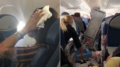 Angst en beven: extreme turbulentie veroorzaakt chaos in cabine en dwingt piloot tot noodlanding