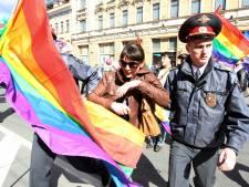 Expédition punitive dans un bar gay de Moscou
