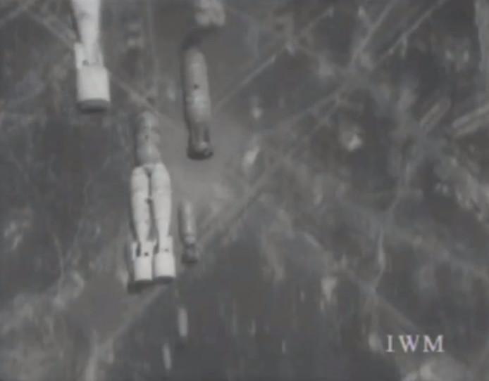 Fragment uit de opname van het bombardement op Gilze en Rijen.