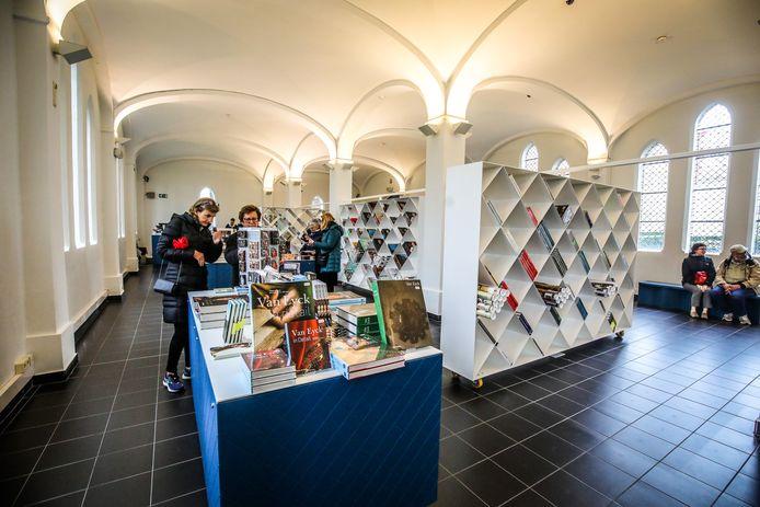 De vernieuwde inkomhal van het Groeningemuseum, een van de drie musea die vrijdag heropenen.