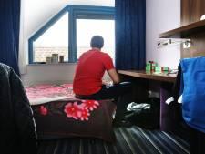 800 euro huur voor een kamertje van 3 bij 4? Arbeidsmigranten in Moerdijk doen hun beklag