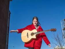 Haags talent Teddy Mac treedt op in Paradiso: 'Ik zoek de balans'