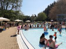 Zwembad Klarenbeek sluit opnieuw poort vanwege drukte; De Hangmat bijna vol
