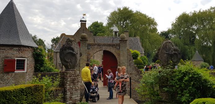 Slot Baarland werd maandag door duizenden mensen bezocht.