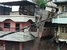 L'effondrement spectaculaire d'un immeuble en Inde