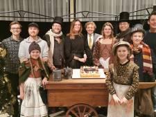 Minima uit Almelo naar Theaterhotel voor kerstvoorstelling van Het Meisje met de Zwavelstokjes