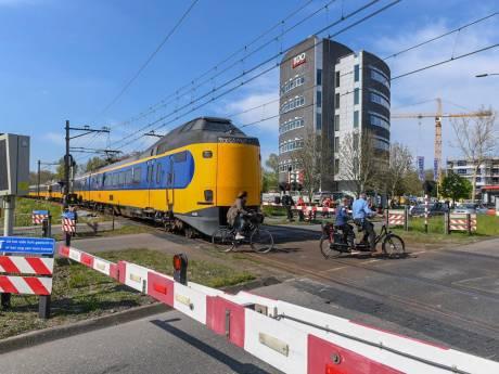 200 man zit anderhalf uur vast in kapotte trein in Alphen