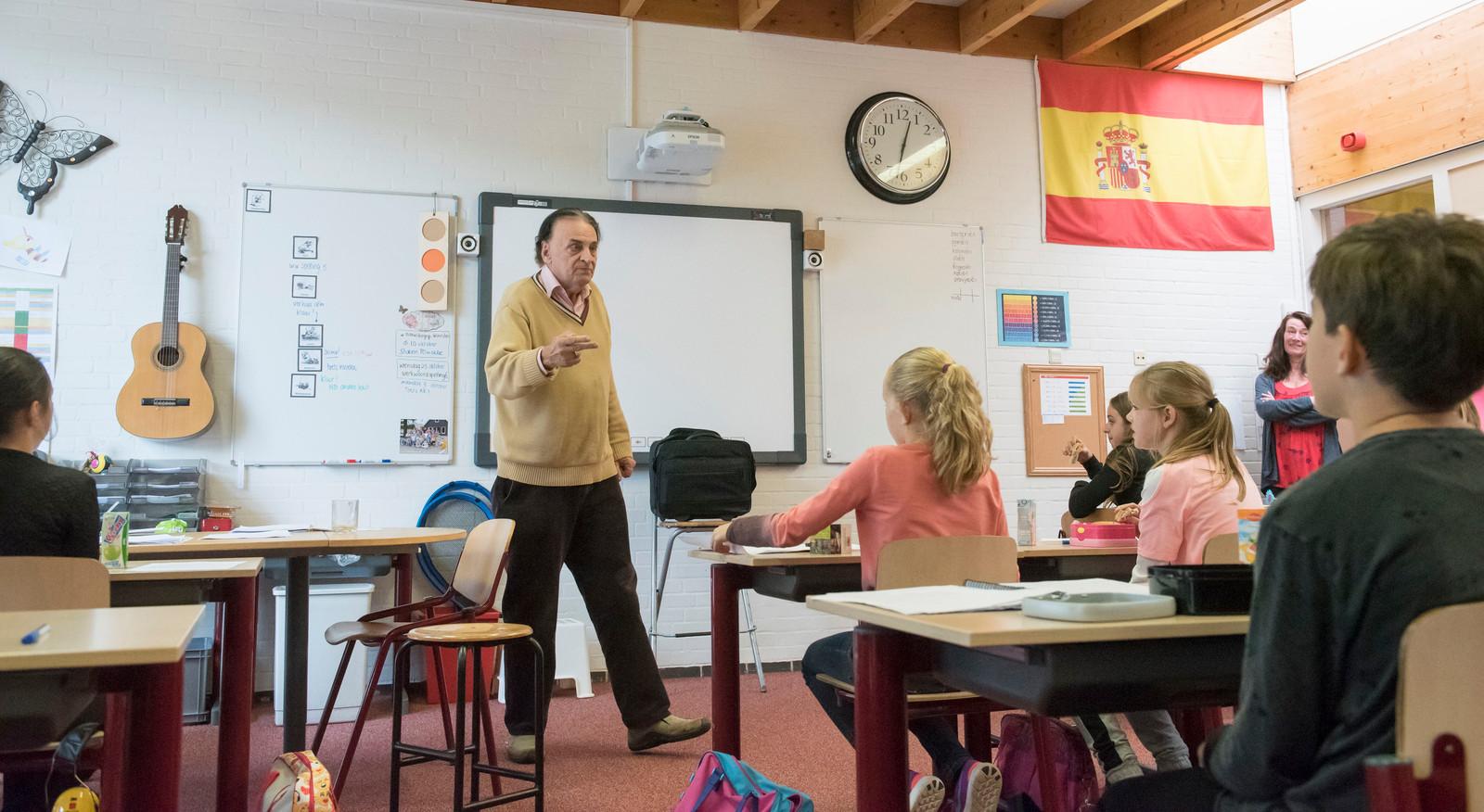 Hola En Veel Meer Spaans Wordt Opgedreund In Puttens Klaslokaal