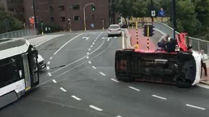 VIDEO. Tram ramt brandweerwagen in Gent