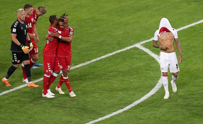 De Peruaanse vedettePaolo Guerrero heeft na de nederlaag tegen Denemarken geen zin om de feestende Denen onder ogen te komen.