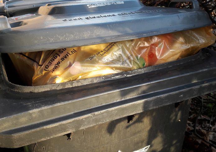 'Het betrof een omver getrapte kliko, het vuilnis was binnen boord gebleven.'